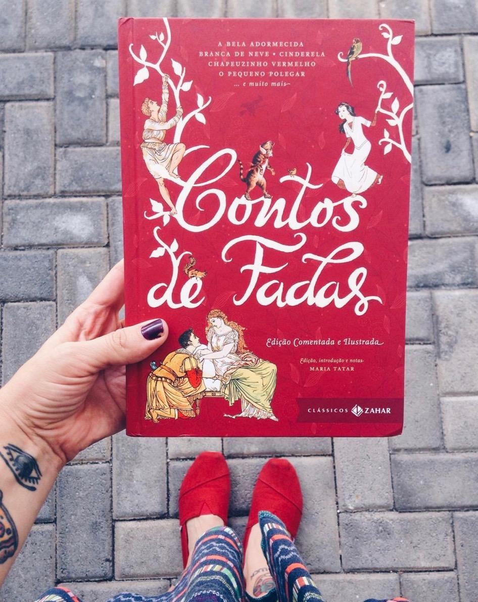 """""""Contos de Fadas - Edição Comentada e Ilustrada"""""""